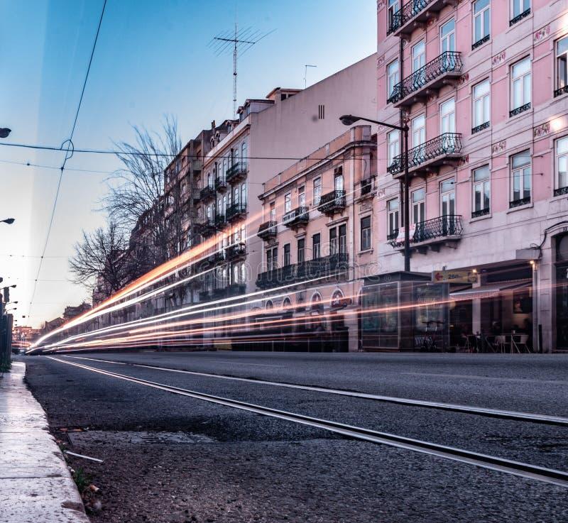 Avenida Almirante Reis, lange de blootstellingsfoto van Lissabon royalty-vrije stock afbeeldingen