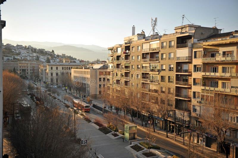 Avenida da constituição, Granada, a Andaluzia, Espanha imagens de stock