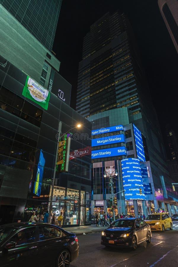 Avenida de Broadway na noite em New York City, EUA foto de stock