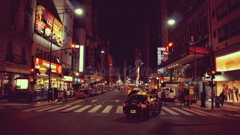 Avenida 9 de Julio na noite - Buenos Aires imagens de stock royalty free