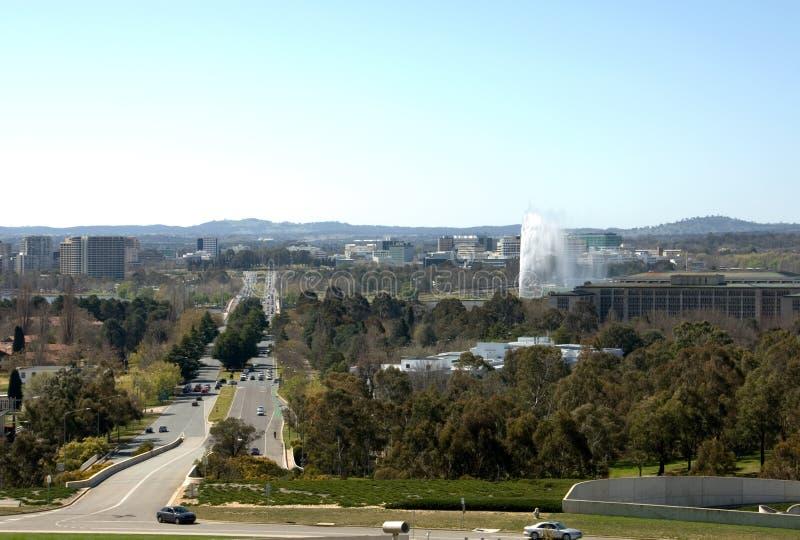Avenida de la Commonwealth - Canberra imagenes de archivo