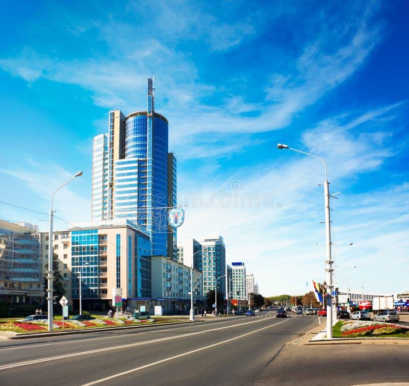 Avenida de Pobediteley en Minsk, Bielorrusia fotografía de archivo