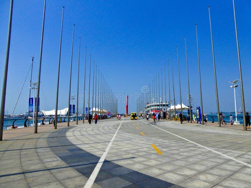 Avenida olímpica da tocha do centro da navigação de Qingdao imagens de stock
