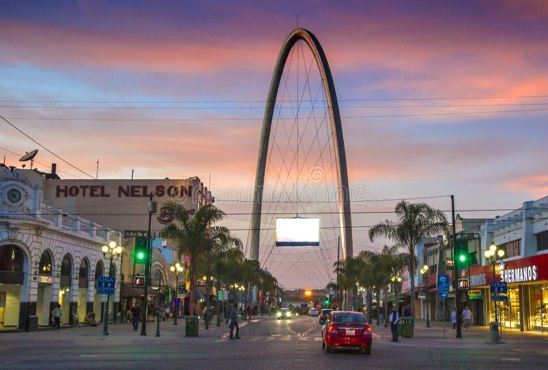 Avenida Revolucion, a artéria turística principal em Tijuana, México imagem de stock royalty free