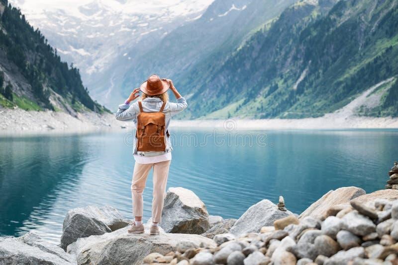Aventúrese y viaje en la región de las montañas en la Austria imagen de archivo libre de regalías