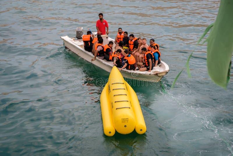Aventura de Banan Boat em Dibba Musandam, Omã fotos de stock