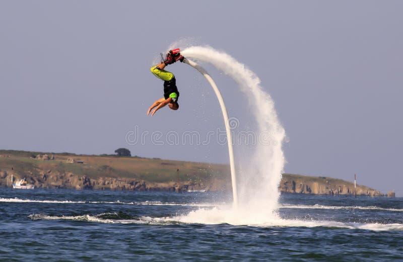 Aventura de Flyboard o Mar Negro fotos de stock royalty free