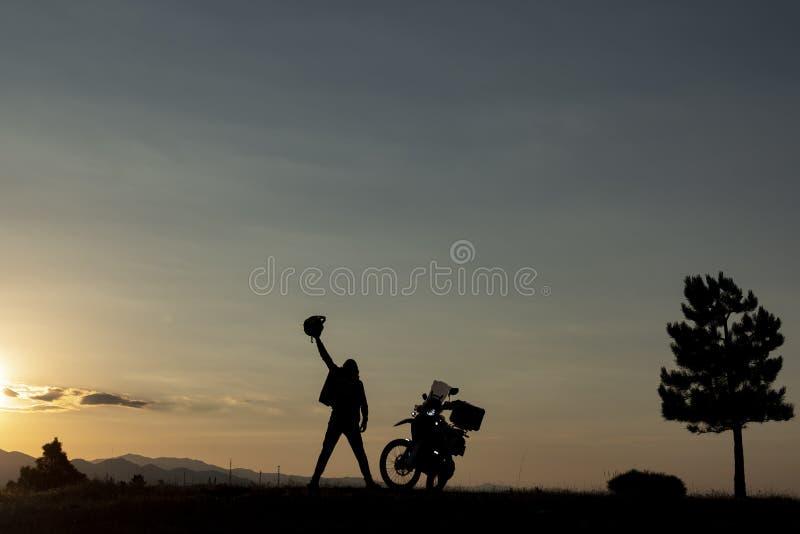 Aventura de la motocicleta, nuevas maneras y descubrimiento imagenes de archivo