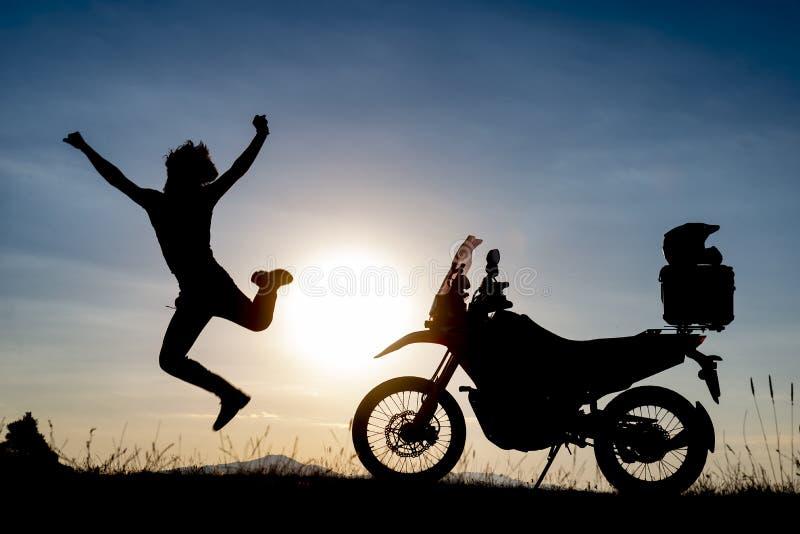 Aventura de la motocicleta, nuevas maneras y descubrimiento imagen de archivo libre de regalías