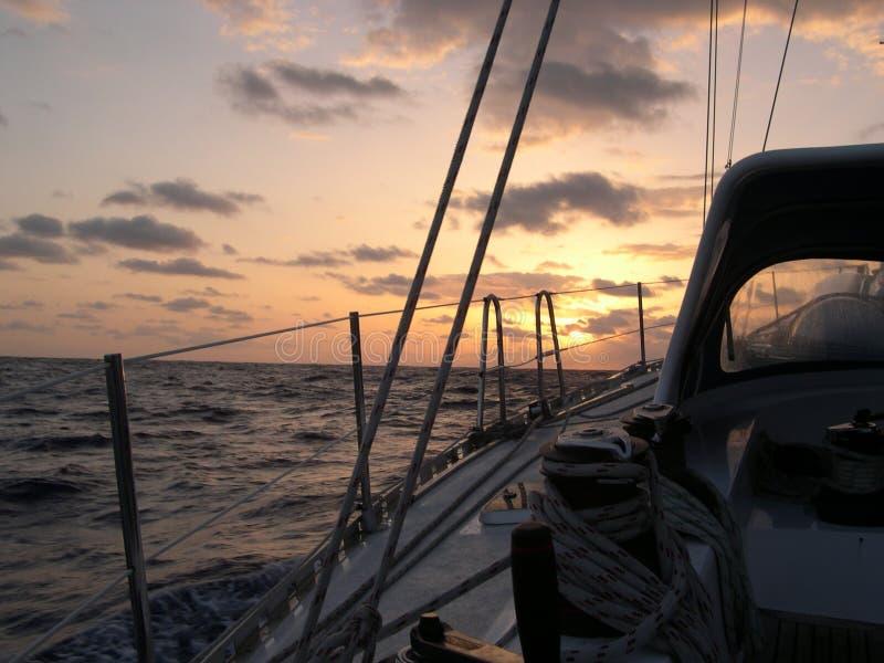 Aventura en un barco de navegación fotos de archivo libres de regalías