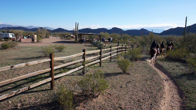 Aventuras da equitação do Arizona foto de stock