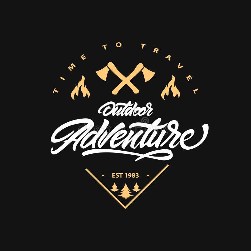 Aventure ext?rieure Inscription de l'affiche de inspiration de typographie avec le feu et la hache Heure de se d?placer Illustrat illustration stock