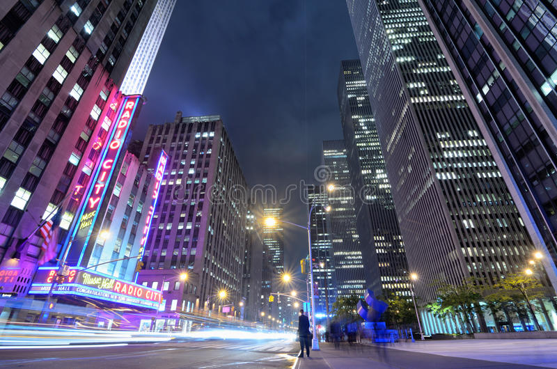 Download Avenue of the Americas editorial image. Image of landmark - 25079395