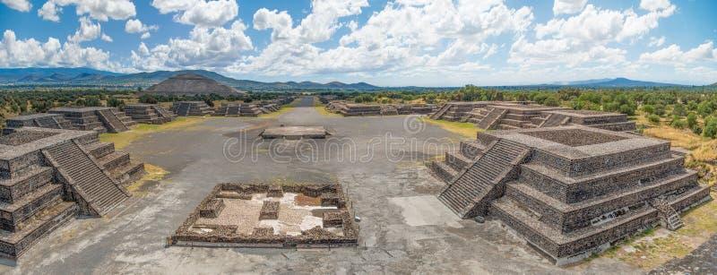 Avenue de Teotihuacan des morts images stock