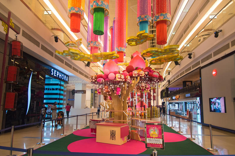 Avenue k shopping mall interior editorial photo image of for Interior decoration for new year
