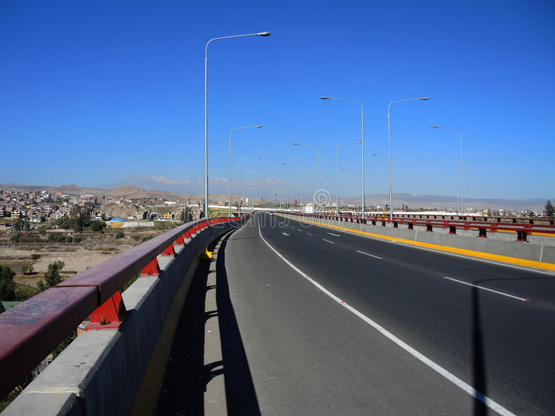 Download Avenue Moderne, Arequipa, Pérou Photo stock éditorial - Image du économie, peru: 77161898