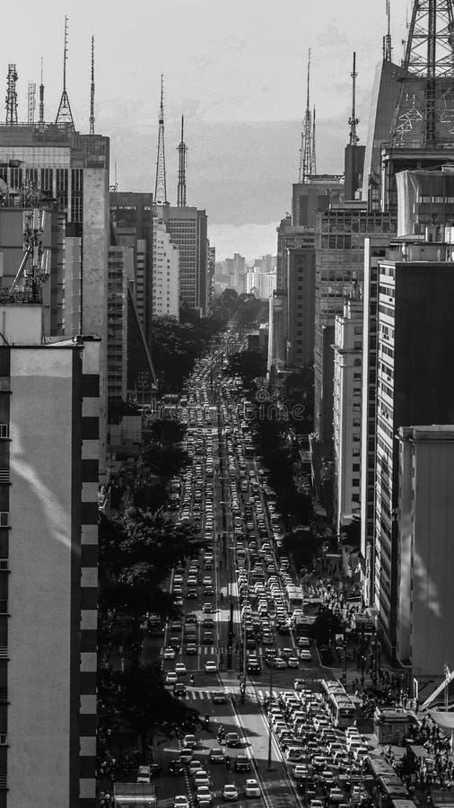 Avenue Sao Paulo du Brésil Paulista blanc et noir photo stock