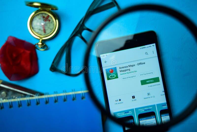 Avenza traccia - il app di tracciato offline dello sviluppatore con l'ingrandimento sullo schermo di Smartphone immagine stock