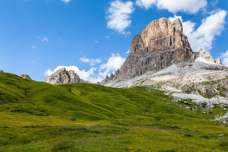 Averau berg fotografering för bildbyråer