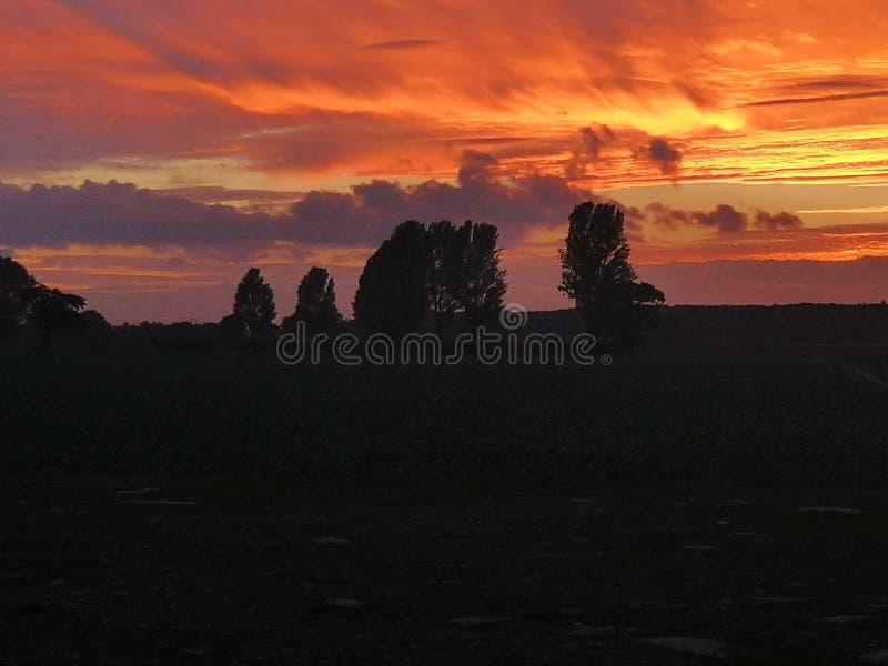 avertissement rouge de ciel de marin de plaisir de la nuit dangereuse s de matin photos libres de droits