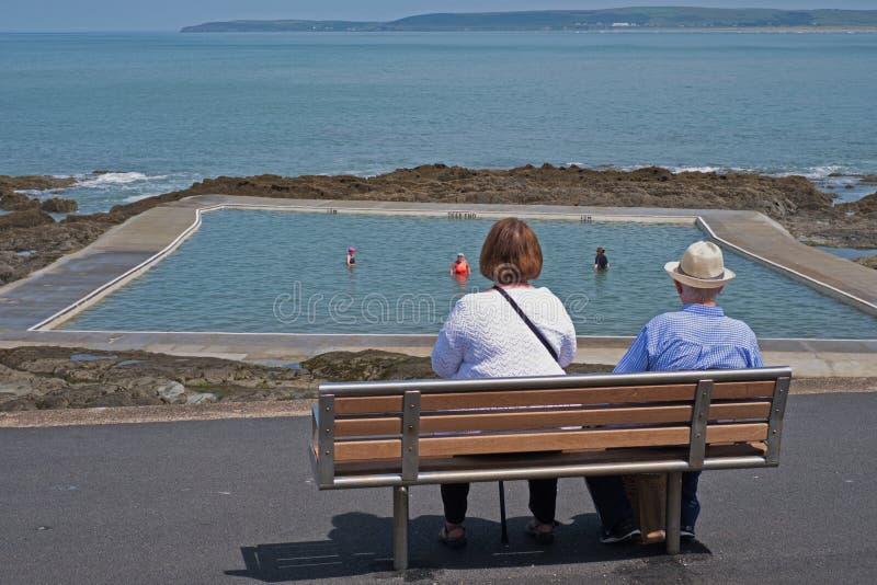 Avgång på sjösidan i sommar UK royaltyfri fotografi