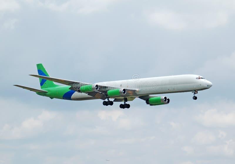 Avião adiantado da carga da série DC-8 fotos de stock