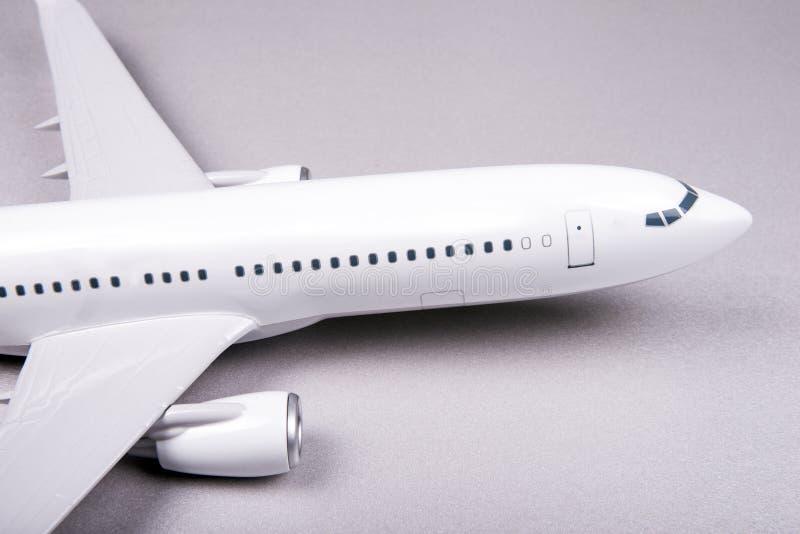 Avião branco do passageiro fotos de stock royalty free