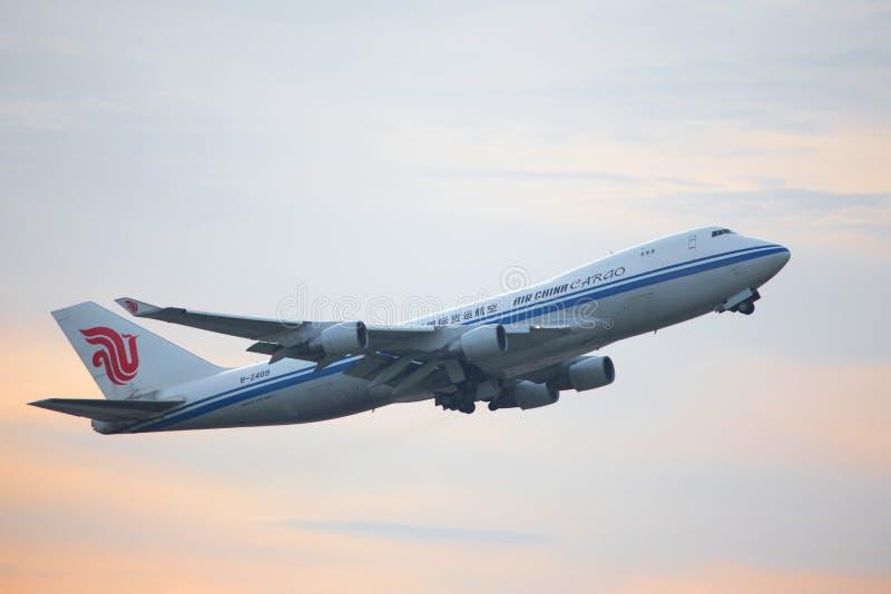 Avião da carga de Air China que começa no aeroporto de Francoforte Alemanha foto de stock royalty free