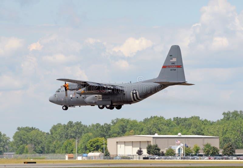 Avião da carga do protetor nacional C-130 de Ohio foto de stock royalty free