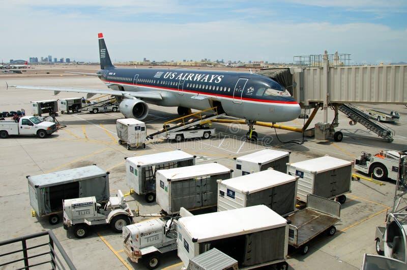 Avião de Boeing das vias aéreas dos E.U. no aeroporto de San Jose foto de stock royalty free