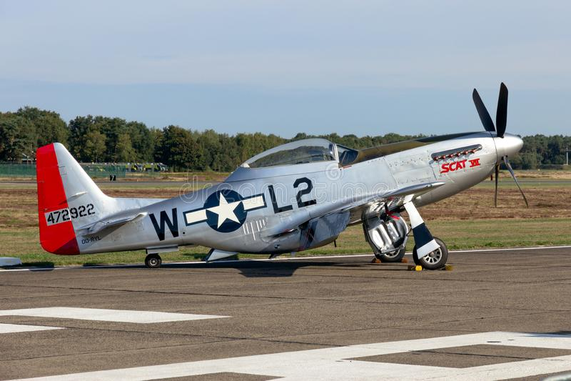 Avião de combate norte-americano do mustang de P-51D fotografia de stock royalty free