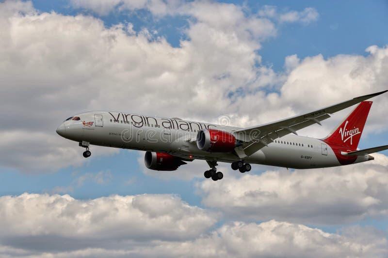 Avião de Virgin Atlantic fotografia de stock