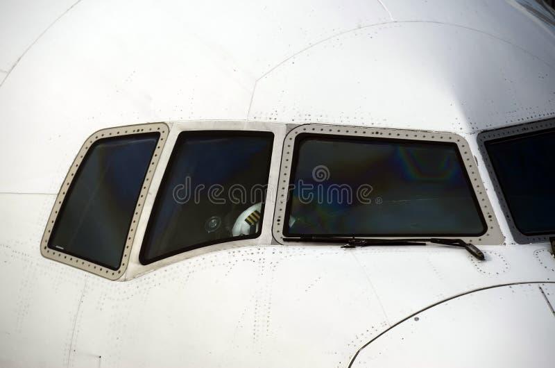 Avião e piloto da linha aérea fotos de stock