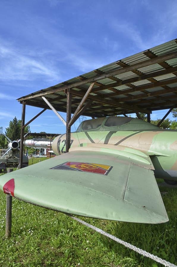 Avião militar MiG-15 aposentado imagens de stock