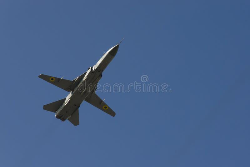 Avião militar ucraniano no céu sobre Kiev Ucrânia Dia da Independência parada ano do 24 de agosto de 2018 fotos de stock