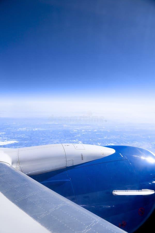 Avião sobre as montanhas de Smokey imagens de stock royalty free