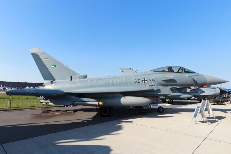 Avión de combate alemán de Eurofighter de la fuerza aérea imágenes de archivo libres de regalías