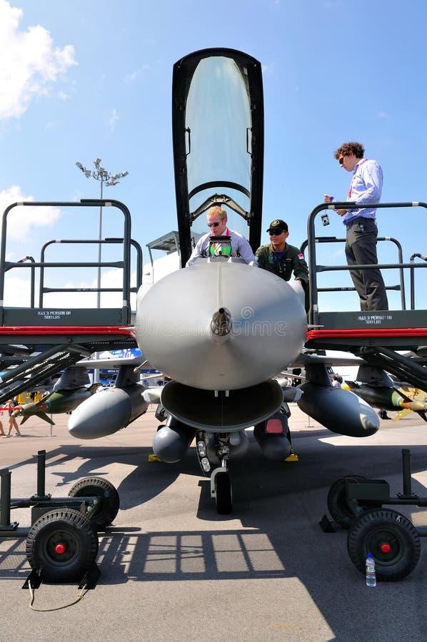 Avión de combate del F-16 de RSAF en Singapur Airshow 2010 fotos de archivo libres de regalías