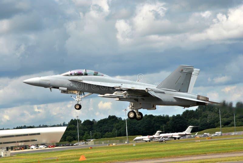 Avión de combate F-18 en Farnborough Airshow 2016 imagenes de archivo