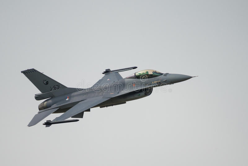 Avión de combate holandés real F-16 de la fuerza aérea (RNLAF) fotografía de archivo