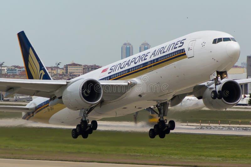 Avión de Singapore Airlines Boeing 777 imagen de archivo