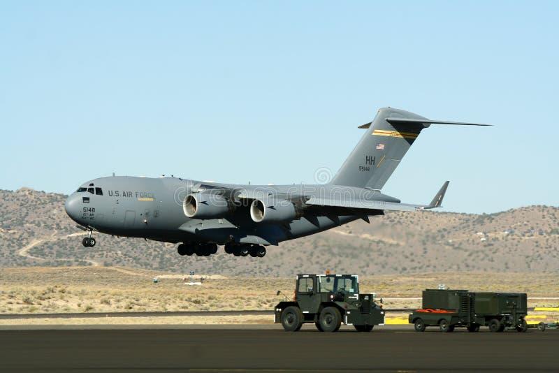 Avión de transporte militar americano fotografía de archivo