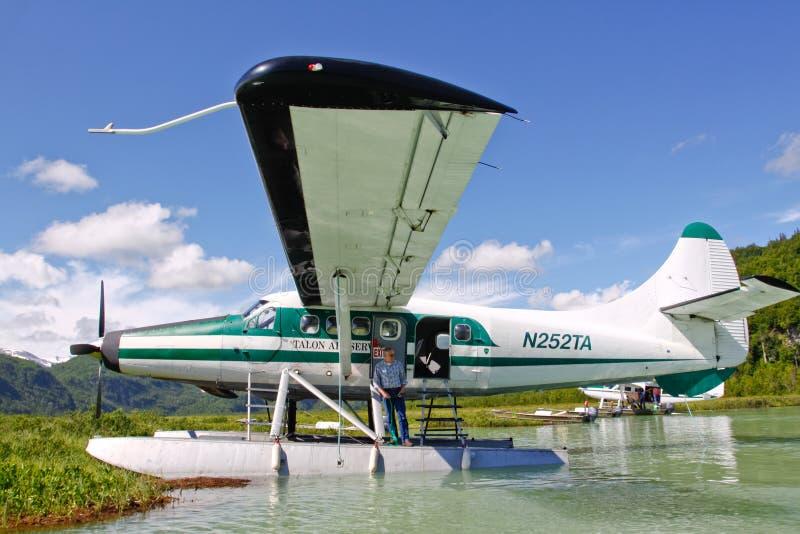 Avión del flotador de Alaska en el desierto fotografía de archivo