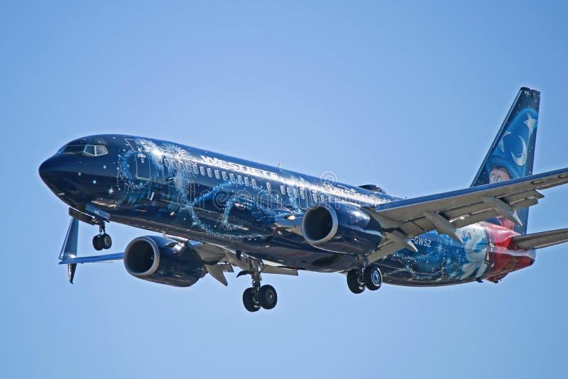 Avión mágico C-GWSZ de WestJet Boeing 737-800 Disney foto de archivo libre de regalías