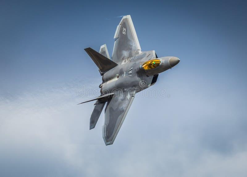 Aviões de avião de combate da ave de rapina F22 fotos de stock