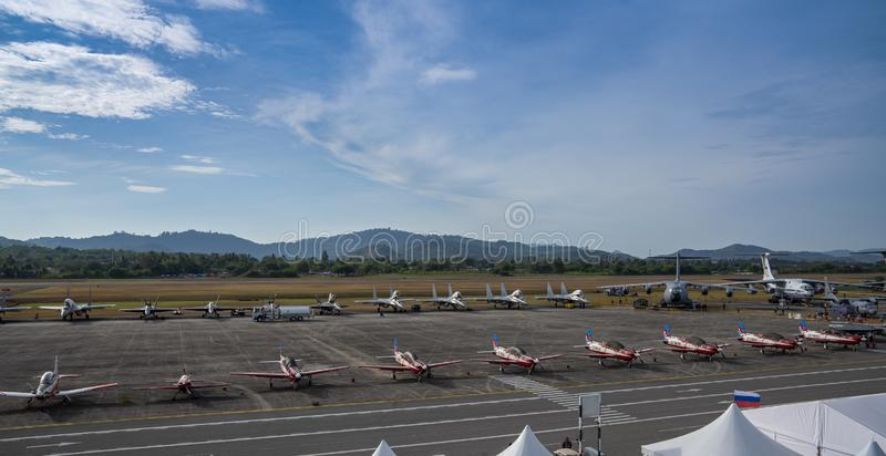 Aviões de combate na exposição em LIMA Expo fotografia de stock