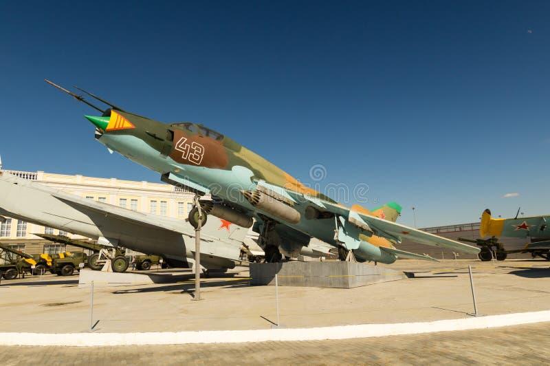 Aviões de combate soviéticos, uma exibição do museu militar-histórico, Ekaterinburg, Rússia, foto de stock royalty free