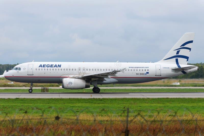 Aviões de jato de Airbus A320 foto de stock royalty free