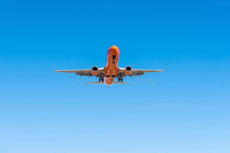 Aviões de passageiro que aproximam-se para aterrar em Bram Fischer International Airport fotos de stock royalty free