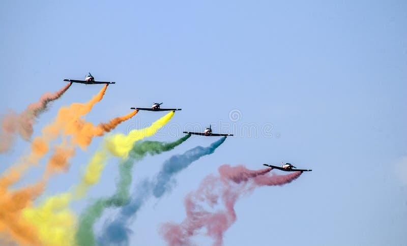 Aviões do arco-íris imagem de stock royalty free